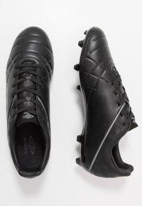 Umbro - MEDUSÆ III PREMIER FG - Scarpe da calcetto con tacchetti - black/carbon - 1