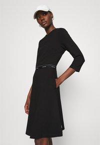 Calvin Klein - MILANO DRESS - Žerzejové šaty - black - 3