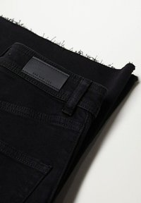 Mango - CATHERIN - Flared Jeans - black denim - 6