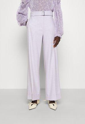 HOSE WIDE FIT - Pantalon classique - violane