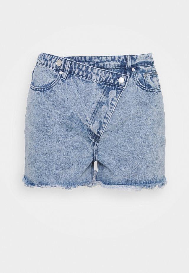 PLUS BUTTON - Jeansshort - blue