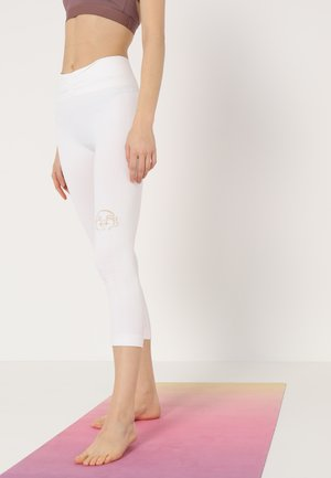 SHANTI - Leggings - white