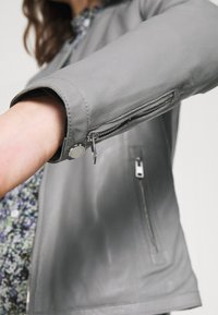 Oakwood - PRESTIGE - Leather jacket - light grey - 3