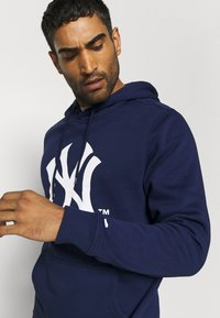 Fanatics - MLB NEW YORK YANKEES ICONIC SECONDARY COLOUR LOGO GRAPHIC HOODIE - Hoodie - navy - 3