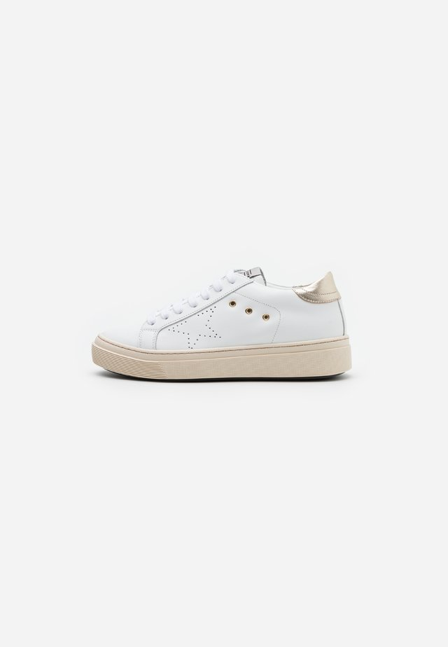 LOGAN - Sneakersy niskie - acciaio