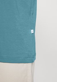 Selected Homme - SLHNORMAN O NECK TEE  - Basic T-shirt - bluejay - 4