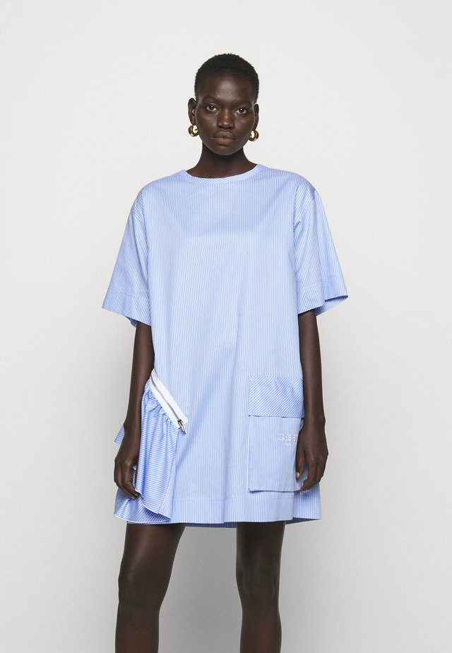 BLUSA - Sukienka letnia - azzurro/bianco