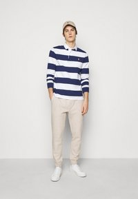 Polo Ralph Lauren - Tracksuit bottoms - expedition dune - 1