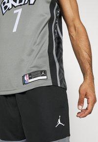 Nike Performance - NBA BROOKLYN NETS SWINGMAN JERSEY - Equipación de clubes - dark steel grey/black - 5