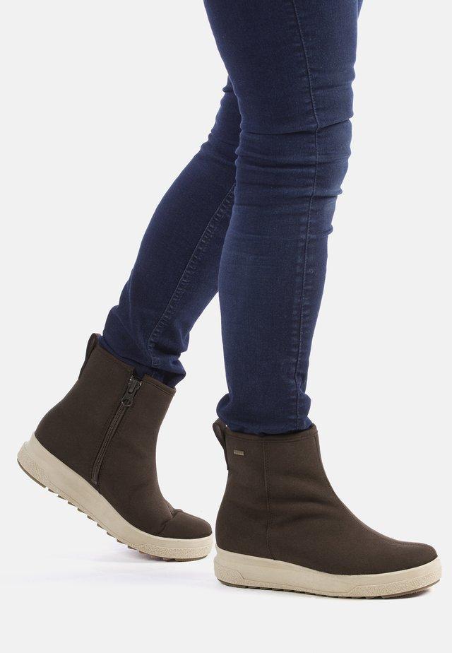 PIHTA - ANKLE BOOTS - Ankelstøvler - dark brown