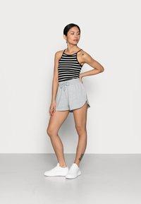 Even&Odd Petite - PETITE 2 PACK - Shorts - black/mottled light grey - 0