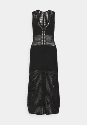 CAPITANO ABITO - Pletené šaty - black