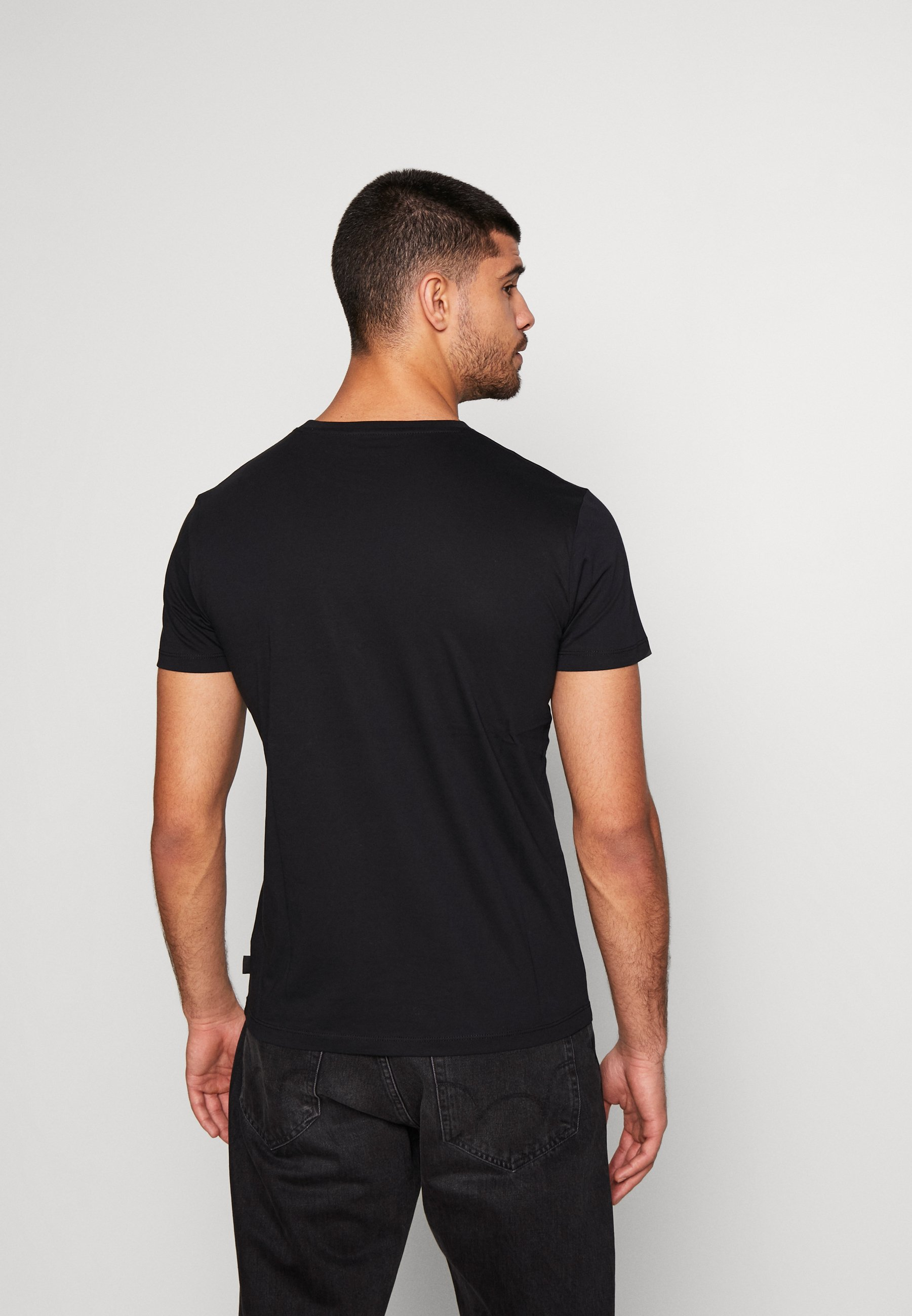Esprit Basic T-shirt - black u11h4