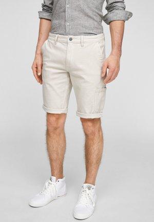 REGULAR FIT - Denim shorts - offwhite
