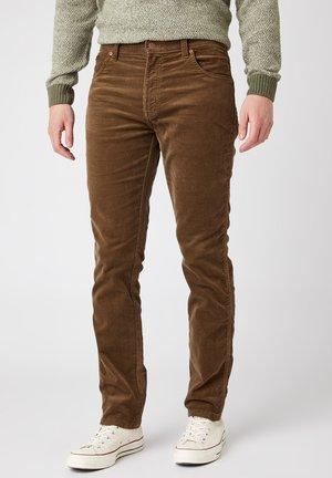 TEXAS - Jeans slim fit - teak