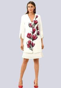 Alba Moda - Short coat - off-white rot - 1