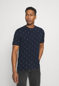Scotch & Soda - CLASSIC ALLOVER PRINTED TEE - Print T-shirt - dark blue - 0