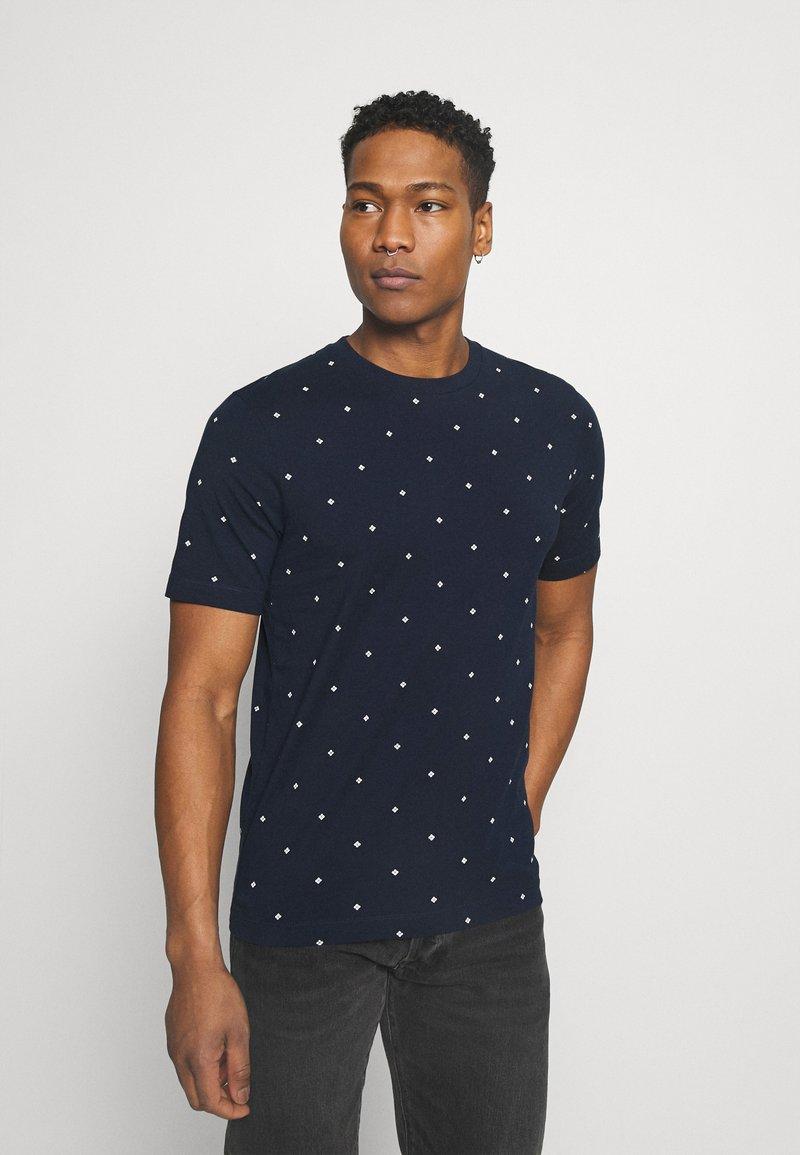 Scotch & Soda - CLASSIC ALLOVER PRINTED TEE - Print T-shirt - dark blue