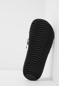 Nike Performance - KAWA SLIDE  - Sandały kąpielowe - white/black - 5