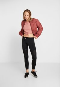 ONLY Play - ONPJAVA CROPPED TEE - Langærmede T-shirts - dusty rose - 1