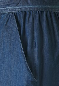 JDY - JDYBELLA LIFE ABOVE CALF SKIRT - A-linjainen hame - medium blue denim - 2
