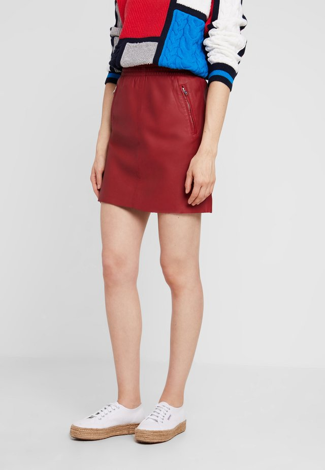 EASY - A-line skirt - red