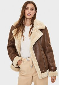 Bershka - Veste en similicuir - brown - 0