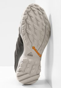 adidas Performance - TERREX SWIFT R2 GORE-TEX - Hiking shoes - core black/ash green - 4