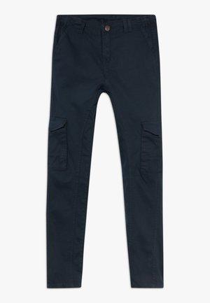 OLEG BUKSER - Pantalones cargo - black iris