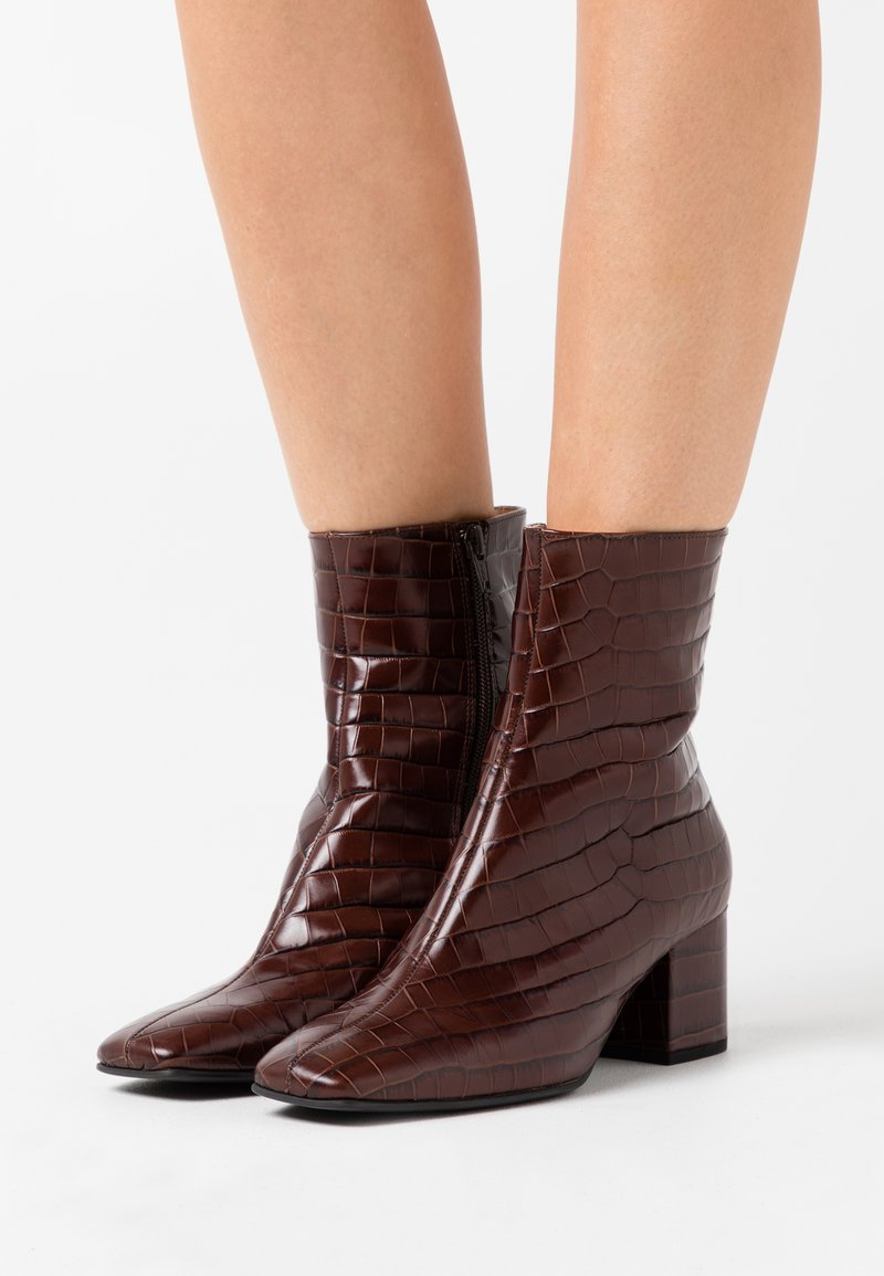 Högl - Classic ankle boots - dark brown