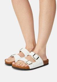 Trendyol - ROSE - Slippers - white - 0