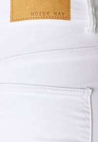 Noisy May - NMCALLIE - Jeans Skinny Fit - bright white - 2