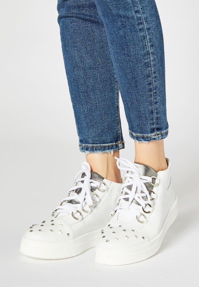 Felipa - Sneakers hoog - white