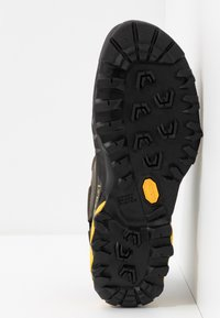 La Sportiva - TX5 LOW GTX - Hiking shoes - carbon/yellow - 4