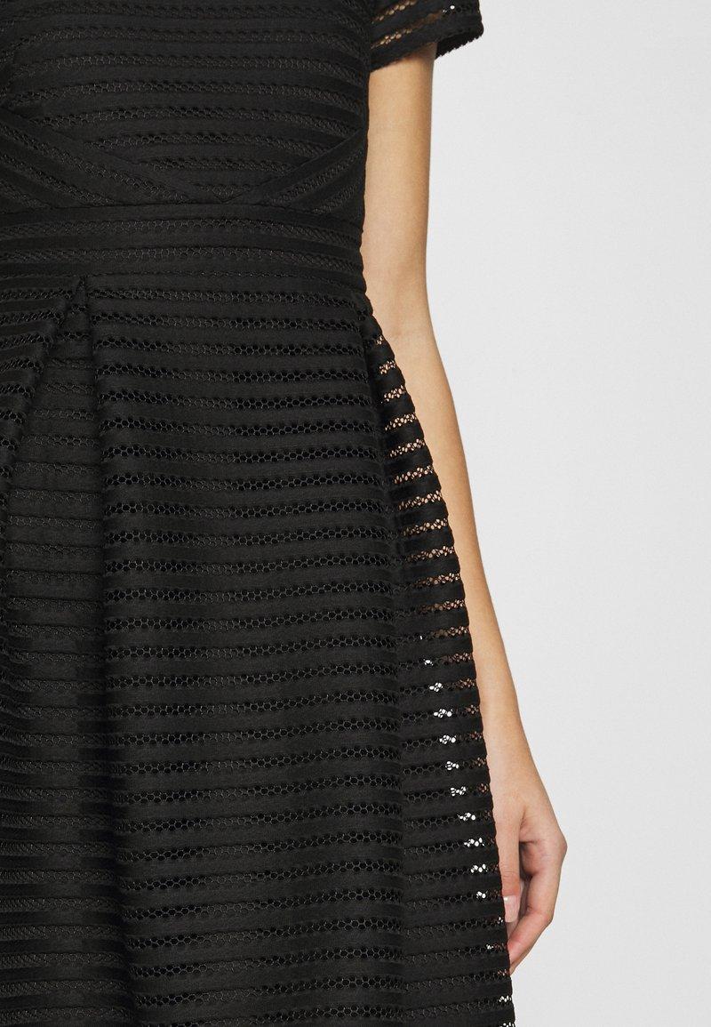 Swing Cocktailkleid Festliches Kleid Black Schwarz Zalando De