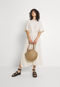 Weekday - CORINNA DRESS - Abito a camicia - beige - 1