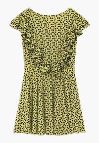 WAUW CAPOW by Bangbang Copenhagen - SAYDEE - Žerzejové šaty - yellow - 1