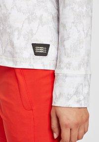 O'Neill - CLIME  - Fleece jacket - white aop w/ brown or beige - 4