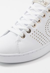 Guess - RANVO - Sneakers laag - white - 2