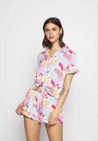 Chelsea Peers - Pyjama - multicoloured - 0