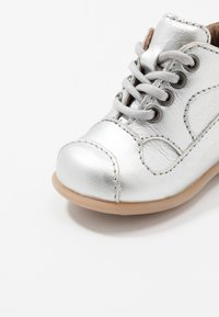 Bisgaard - CLASSIC PREWALKER - Baby shoes - silver - 2