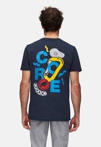 Mammut - MASSONE MEN - T-shirt z nadrukiem - marine prt - 1