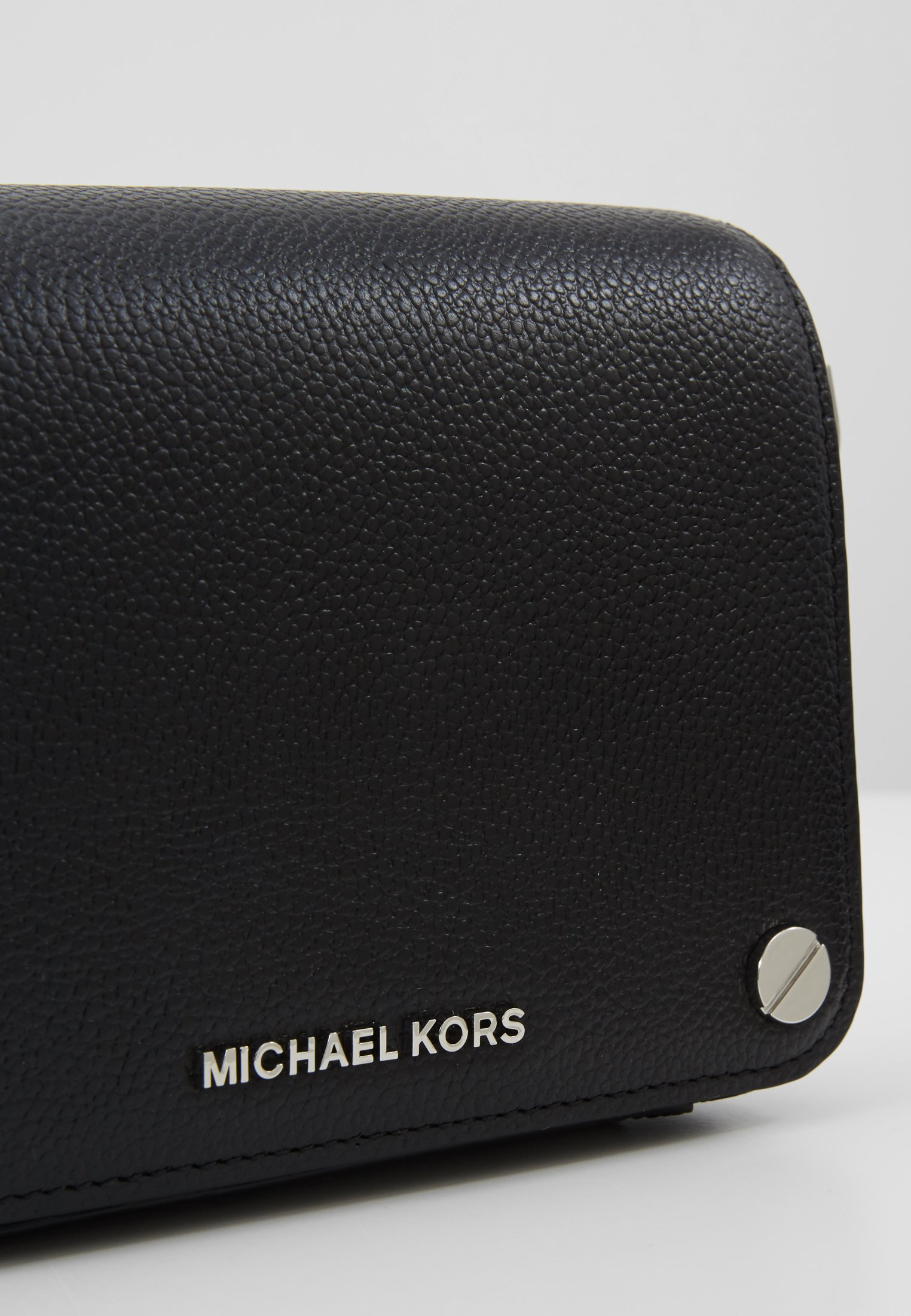 Buy Collections Accessories MICHAEL Michael Kors JET SET FULL FLAP XBODY MERCER PEBBLE SHINY Across body bag black 5uV2lhaIS 4KWQyiec7