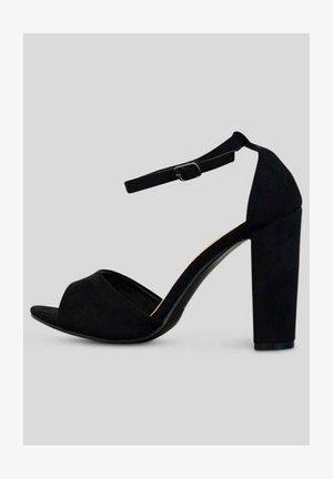 Sandales à talons hauts - noir