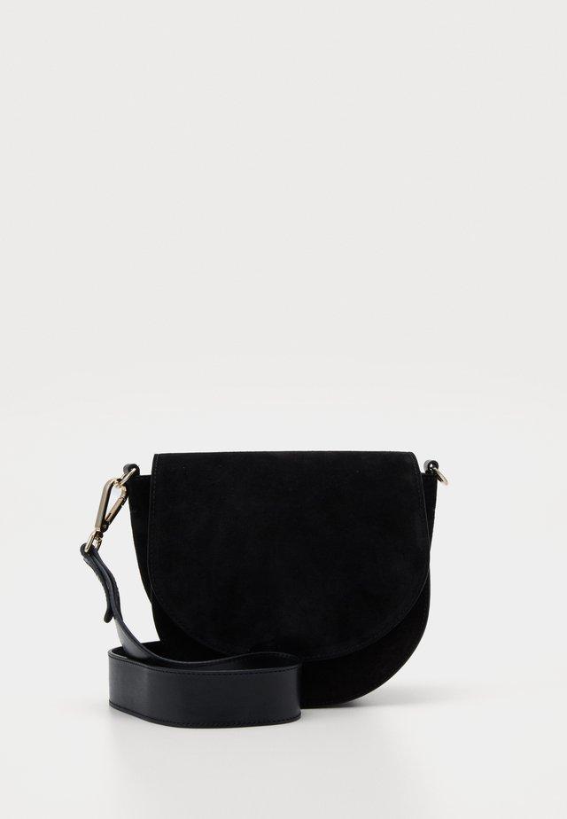 ALLY SADDLE - Across body bag - black