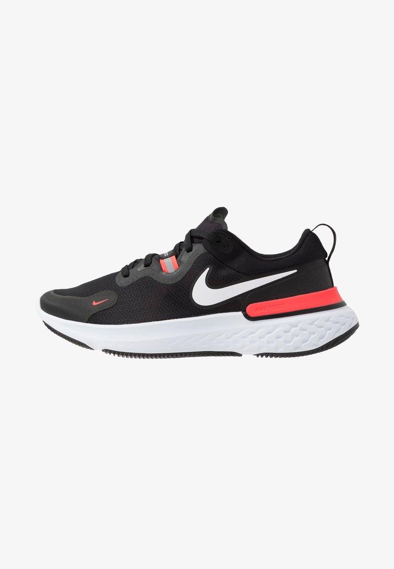 Nike Performance - REACT MILER - Obuwie do biegania treningowe - black/white/laser crimson/oil green