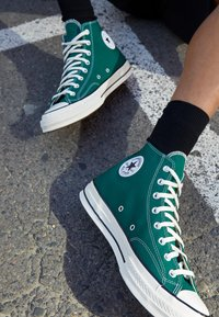 Converse - CHUCK TAYLOR ALL STAR 70 - High-top trainers - midnight clover/egret/black - 2