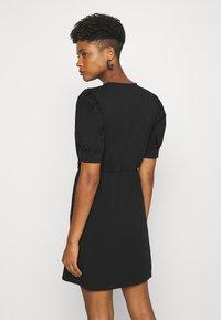 Pieces - PCMERVE DRESS  - Vestito estivo - black - 2