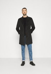 Lyle & Scott - CABLE JUMPER - Jumper - jet black marl - 1