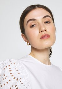 Carin Wester - BLOUSE ANDIE - Bluse - bright white - 3